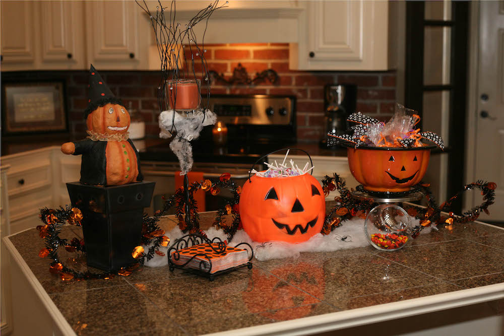 3 Easy Kitchen Halloween Decorations